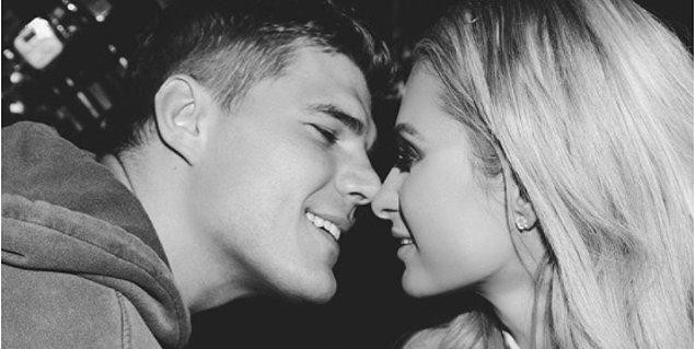 Hilton, oyuncu ve model sevgilisi Chris Zylka ile bu hafta çıktığı kayak tatilinde nişanlandı.