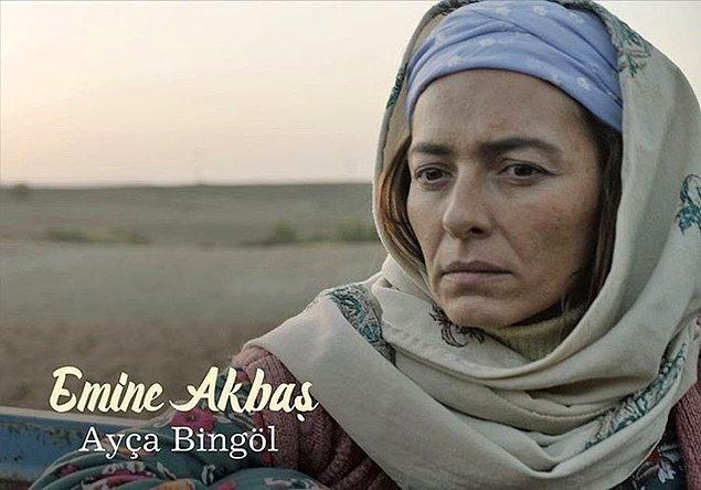 Annesi Emine rolünde Ayça Bingöl,