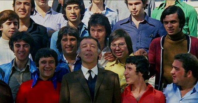 Ve Hababam Sınıfı ile birlikte hepimizin 'Mahmut Hoca'sıydı. Bir kuşağa öğretmen olmayı sevdirdi.