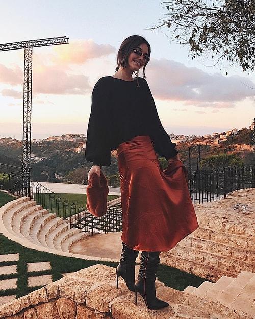 56bb0e73ec6f7 Farklı giyim tarzı ve güzelliğiyle beğenileri üzerine toplayan Karen de,  Sarah gibi ünlü bir Instagram bloggerı. Karen'in ayrıca bir de Youtube  kanalı ...