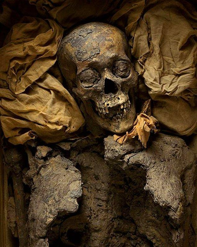 """Tutankhamun'un Dedesi """"III. Amenhotep"""""""
