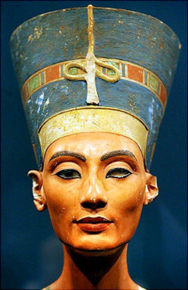 "Tutankhamun'un Üvey Annesi ""Nefertiti"""