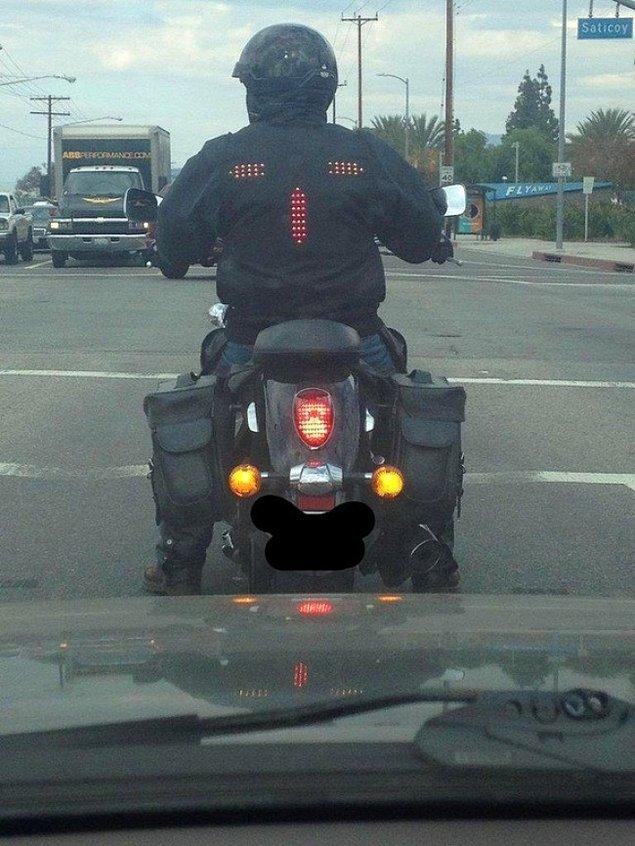 4. Motorsiklet kullanıcılarının hayatını kurtaracak, sinyalizasyonlu ceket.