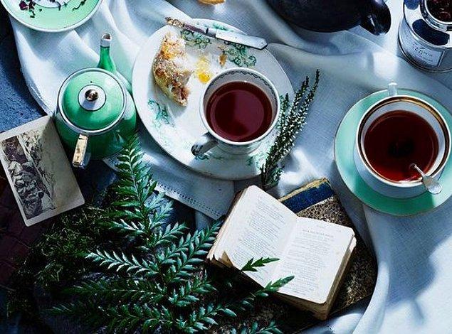 5. Harika bir ahududu çayı hazırlayın.