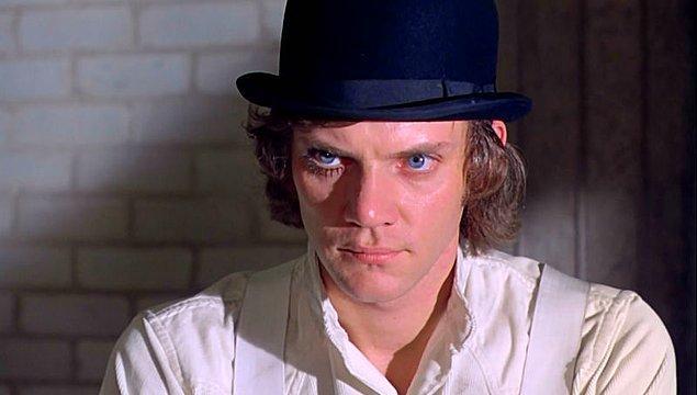 7. A Clockwork Orange'ın delici bakışlı vandalı Alex Delarge'ı hangi aktör canlardırmıştı?