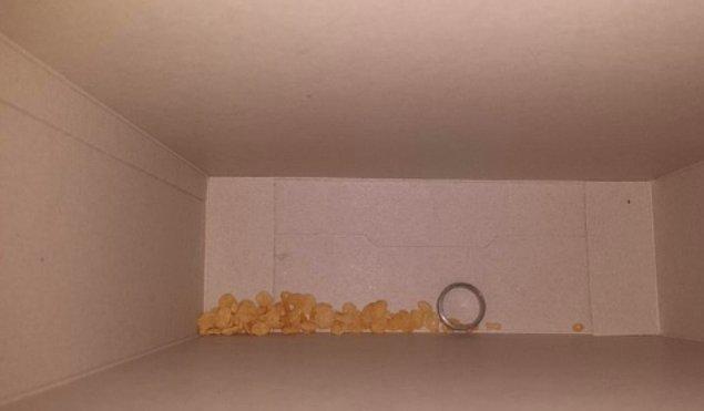 3. Yüzüğün mısır gevreği kutusunda ne işi var acaba? 🤔