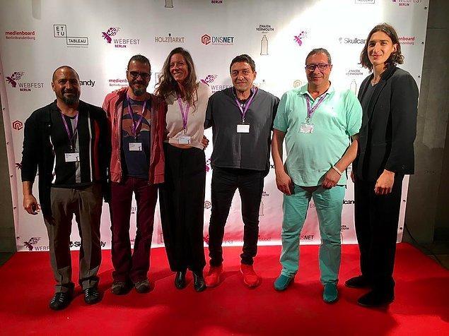 2. Yapımcılığını Mehmet Günsür ve Kaan M. Yüceil'in, yönetmenliğini Tolga Yüceil ve Caterina Mongio'nun üstlendiği KANAGA'nın hikayesine Günsür'ün eşi Caterina Mongio, Tolga H. Yüceil ve Kaan M. Yüceil imza attı.