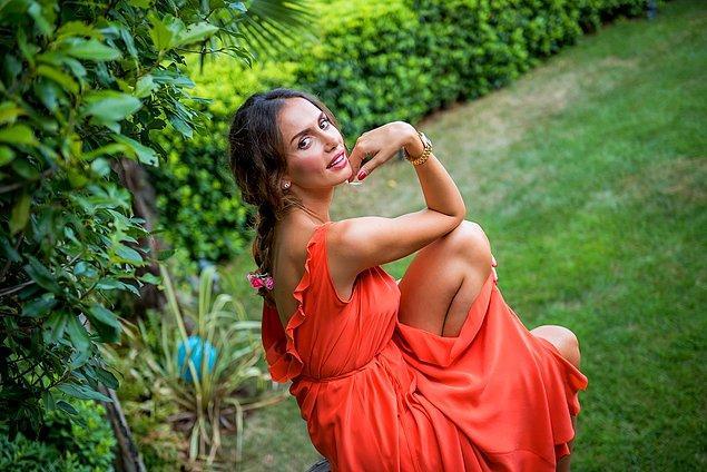 Biri güzelliği dillere destan, Balkanların pop divası olarak anılan yabancı gelinimiz Emina Jahović Sandal!