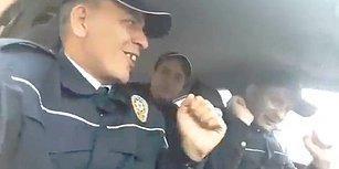 Ekip Otosunda Eğlencenin Dibine Vuran Polisler