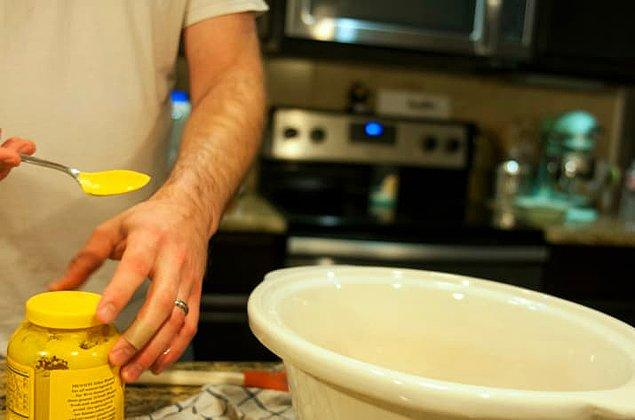 10. Sos ya da sulu yemek pişirirken fıstık ezmesi ya da hardal kullanabilirsiniz. Bu yemeğin kıvamını ve aromasını çoğaltacaktır.