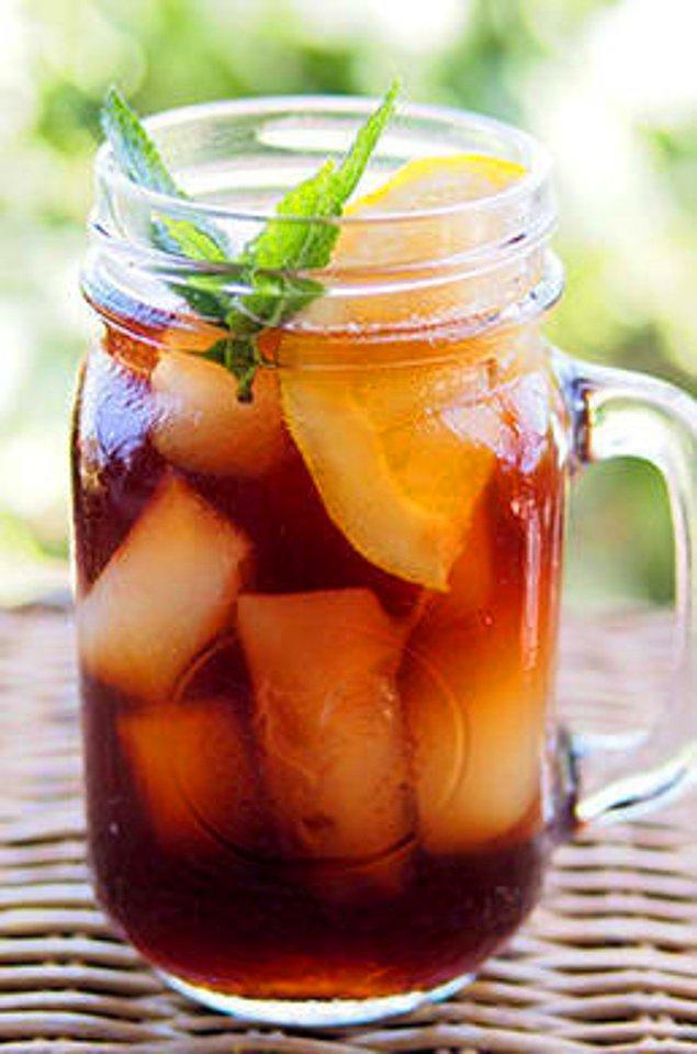18. Evde buzlu çay yapıyorsanız, acı tadı almak için azıcık yemek sodası yeterli!