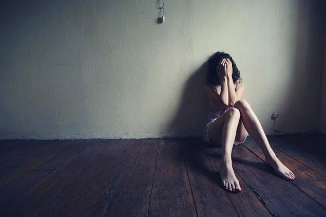 İçten içe depresyonik bir halin var!