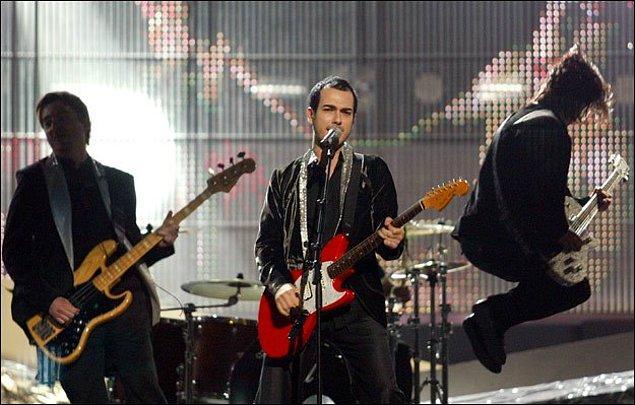 """12. Belgrad'da düzenlenen 53. Eurovision Şarkı Yarışması'nda ülkemizi Mor ve Ötesi """"Deli"""" şarkısıyla temsil etti. Şarkı, yarışmadan 7. olarak ayrıldı."""