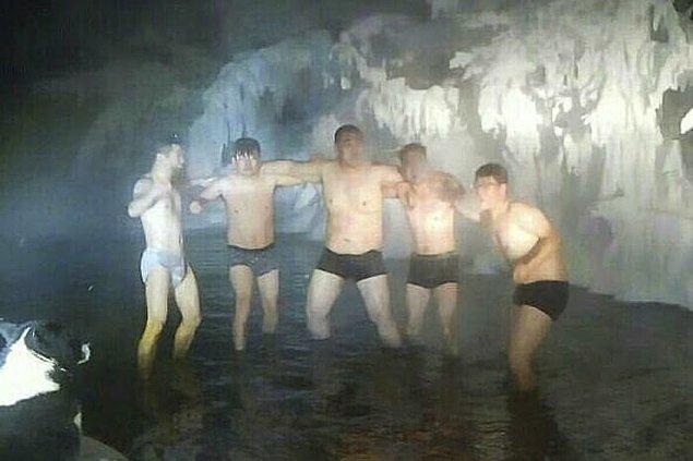 Kanı kaynayan köylüler ve turistler sıcak termal suda keyif yaparken!