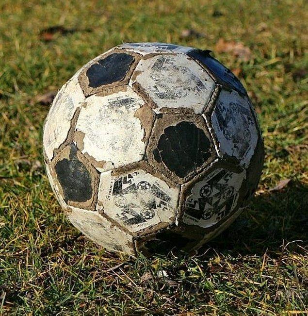 7. Eskimiş futbol topunun yeri ayrı. Bir de Kamesler vardı tabii... 👃