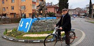 Herkese Örnek Olsun Diye:  Zonguldak'ta 52 Yıldır Bisiklet Kullanan Vatandaşın Heykelini Diktiler