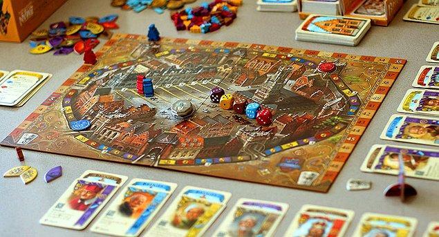 2. Yaratıcılık ve bilgi bir arada: Kutu oyunları oynayın!