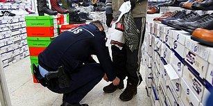 Soğuk Havada Terlikle Dolaşan Çocuğa Ayakkabı Alan Polisten İnsanın İçini Isıtan Hareket