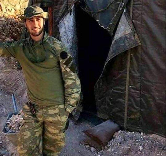 Küçük yaşta babasını kaybeden Muratdağı'nın evine kara haber ulaştırıldı.