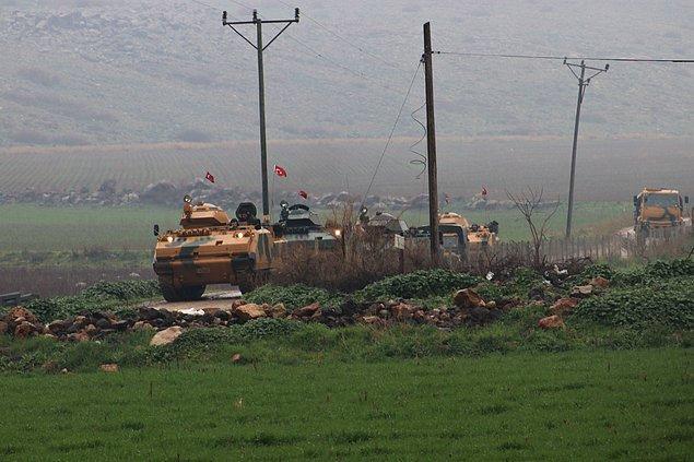 Dün akşam 19:05'te TSK tarafından yapılan açıklamada dün şehit düşen iki askerin naaşlarına ulaşılamadığı belirtildi.