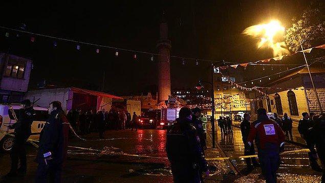 Kilis'e iki roket atıldı birisi camiye isabet etti.