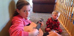 Müziğin Gücüyle Yeni Kelimeler Öğrenen Down Sendromlu Ufaklık