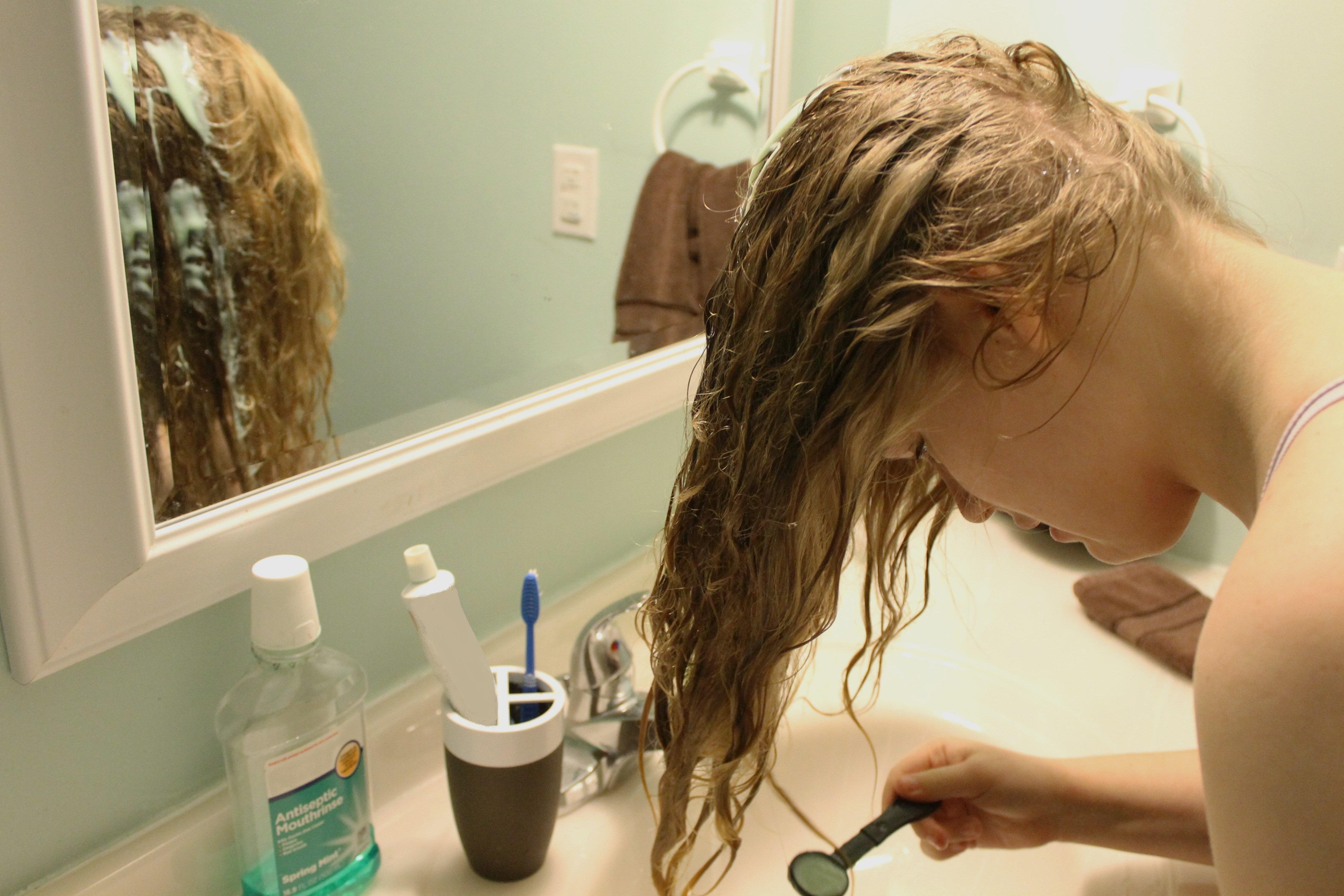 Yağlı Saçlar İçin Evde Doğal Karışımlar
