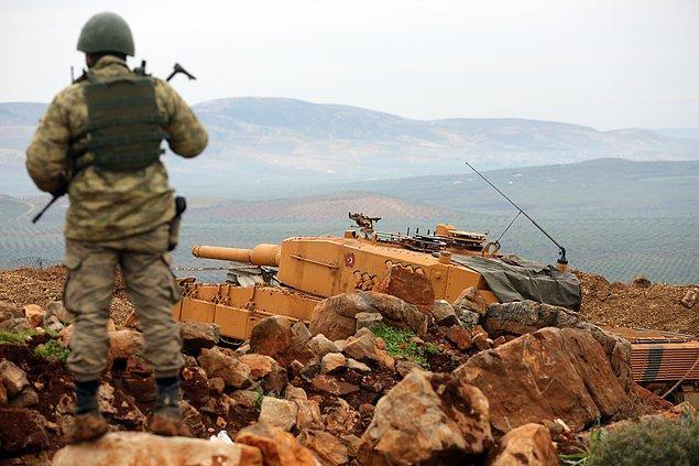 Yapılan açıklamada 'çatışmalarda Türk Silahlı Kuvvetlerinden iki kahraman silah arkadaşımız şehit olmuş, hayati tehlikesi olmayacak şekilde 11 kahraman silah arkadaşımız yaralanmıştır' ifadelerine yer verildi.