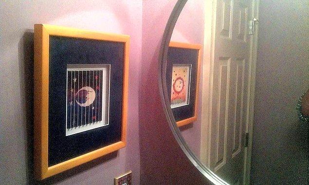 18. Aynadaki yansıması aslından farklı bir eser.