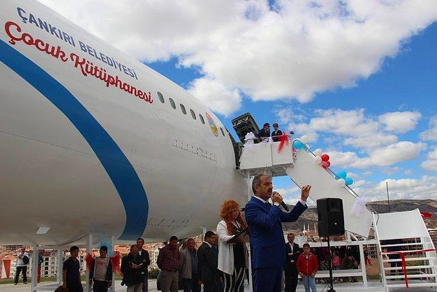 Çalışmaların tamamlanmasının ardından uçak çocuk kütüphanesi olarak hizmete açılmıştı.