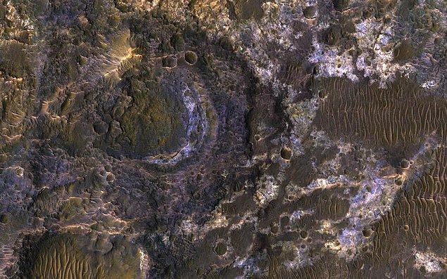 7. Mars'ın yüzeyinden bir görüntü