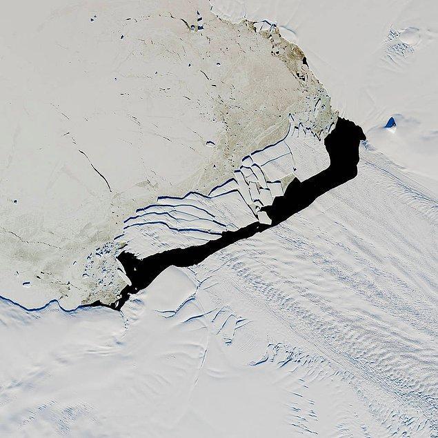 15. Kırık buz dağının uzaydan görüntüsü