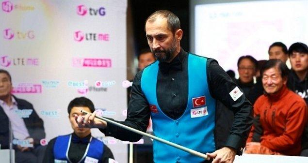 1981 yılında katıldığı İstanbul Bilardo Şampiyonası'nda birinci oldu, 1988'de Türkiye'de gerçekleştirilen ve uluslararası arenada önemli olan bir gösteri turnuvasında tüm camianın ilgisini çekti.