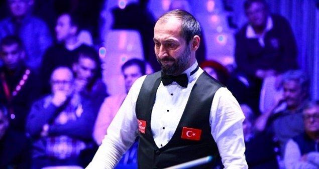 Yirmi beş kez Türkiye Grand Prix şampiyonu olan ve 3 bantta on dört kez Türkiye'de rekor kıran Semih Saygıner, çeşitli mecralarda defalarca yılın sporcusu ilan edildi. Hollanda Takımlar Ligi ve Portekiz Ligi'nde pek çok başarıya imza attı ve dünya bilardo camiasında 'Mr. Magic' unvanını kazandı.