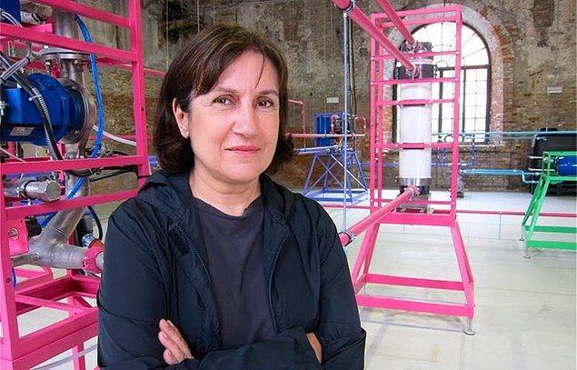 5. Ayşe Erkmen