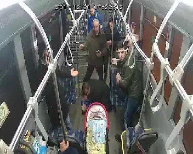 BONUS: 2018'in gelişi, 2017'nin bitişinden belliydi sanki: Belediye otobüsü şoförü Hayrettin Şahin, dili boğazına kaçan on aylık bebeğe acil müdahalede bulundu ve hayatını kurtardı.