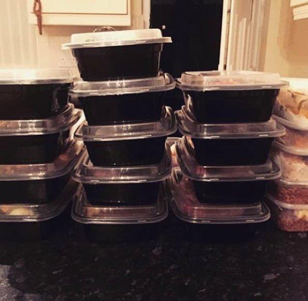 9. Hazırladığınız yemeklerden bir sürü dondurun.