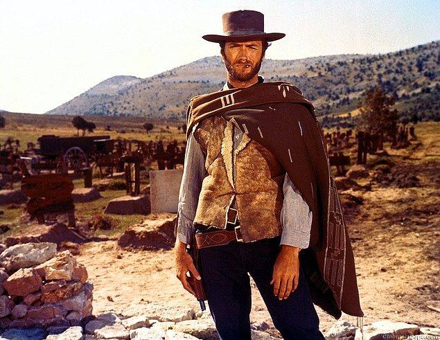 8. Kariyerinin neredeyse yarısını onlarla birlikte geçirse de Clint Eastwood'un atlara alerjisi var.