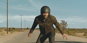Squarespace'ten Keanu Reeves'in Motor Üzerinde Olduğu Super Bowl Reklamı