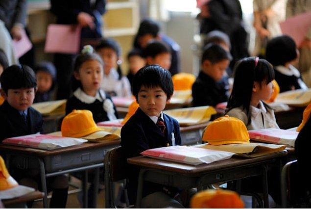 Japon bir anne, çocuğunun yeni kayıt olduğu okuldan 'Ebeveynler için uyum' kapsamında bir liste aldı.