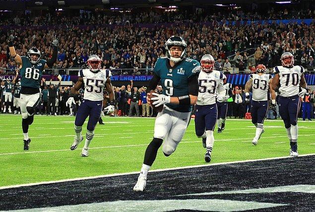 Müsabakada iki takımın hücumda elde ettiği yard miktarı bin 152 olurken, bu NFL play-off ve Super Bowl maçlarında en çok kaydedilen yard olarak tarihe geçti.
