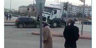 Arkadaşına Selektör Yapan Sürücüyü Yanlış Anlayınca Ezmeye Çalışan TIR Şoförü