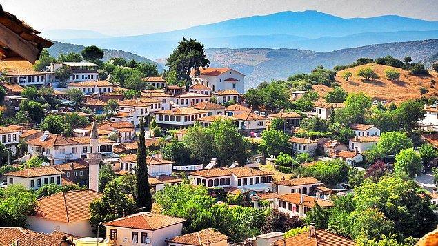 1. Tarih kokan dokusu ve trafiğe kapalı sokaklarıyla adı gibi şirin bir köy: Şirince