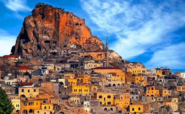 6. Kapadokya'nın zirvesi olan ve masallardan çıkmış gibi görünen bir ilçe: Uçhisar