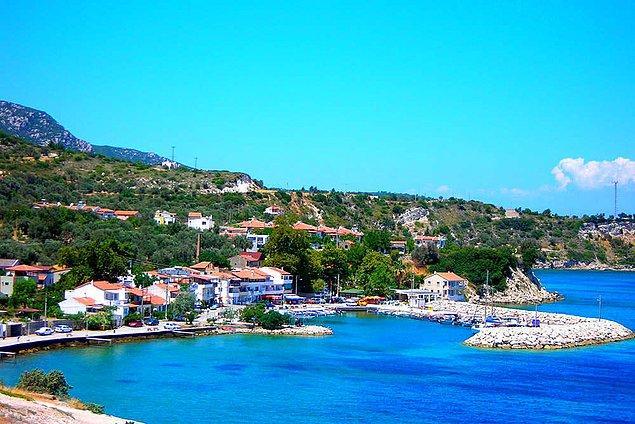 8. Temiz ve serin denizi, balık çeşitliliği ve tablo gibi manzarasıyla huzur dolu bir köy: Mordoğan