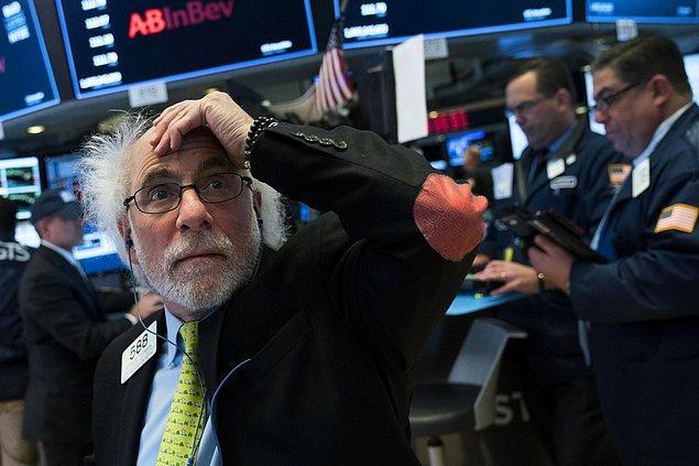 Dow Jones Sanayi Endeksi 1.175,00 puan (yüzde 4,60) azalarak 24.345,96 puana geriledi ve puan bazında tarihteki en sert günlük düşüşünü kaydetti.
