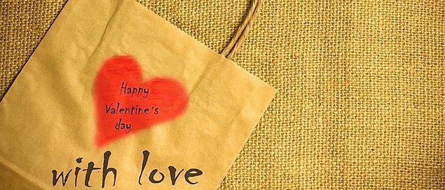 Ankete katılan kullanıcıların çoğunluğu Sevgililer Günü'nü kutladığını söylüyor.