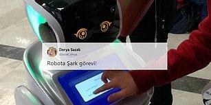 Konuşma Yaparken Bakan Arslan'ın Sözünü Kesen Robot Sanbot'un Hazin Sonu: Sahneden Alındı, Sesi Kısıldı
