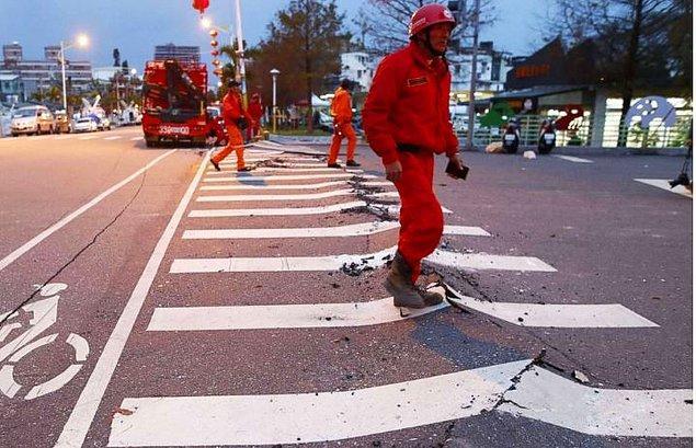 9. İki tektonik plaka arasında yer alan Tayvan, sık sık depremlerle sarsılıyor.