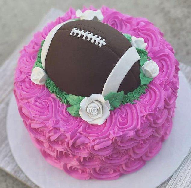 Ama bu pastanın yaratıcısına biri madalya verebilir mi acaba?